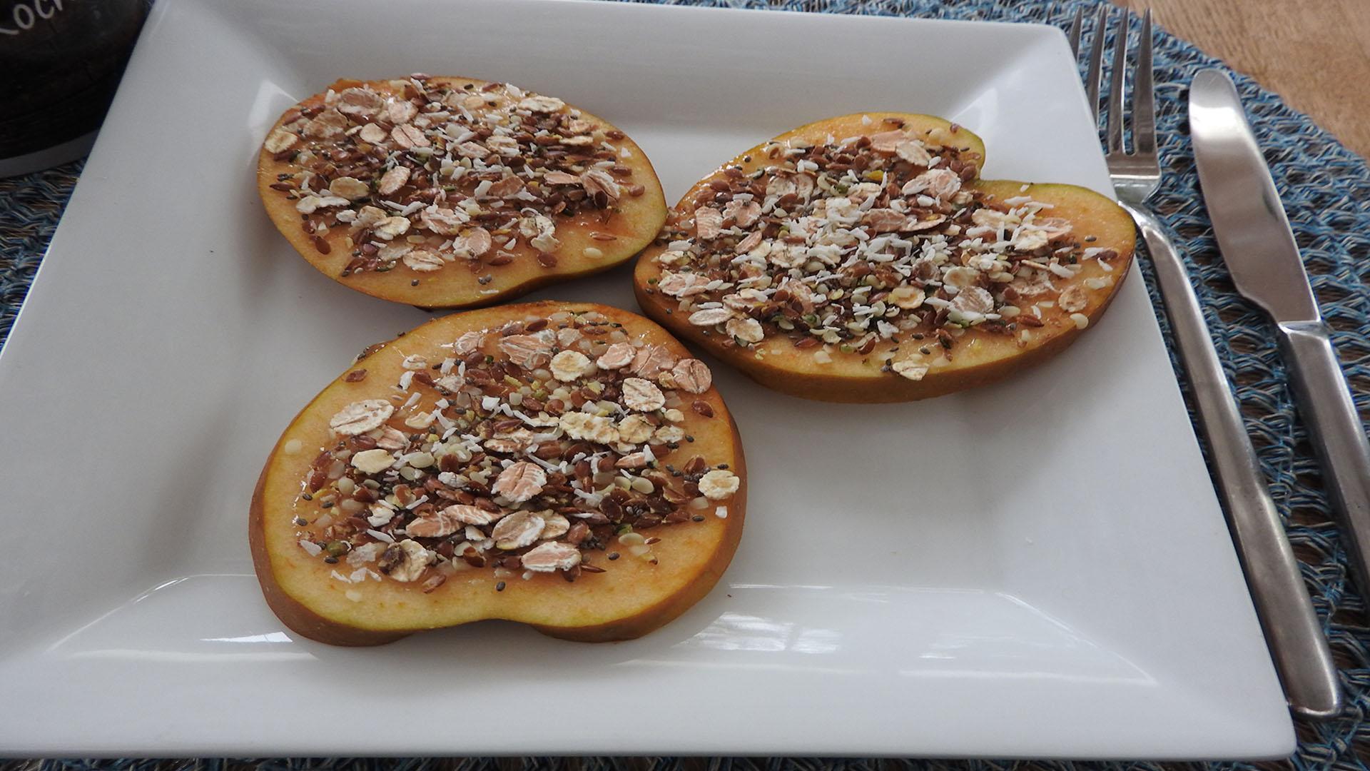 Apfel mit Honig und Sämereien auf Kochen-verstehen.de