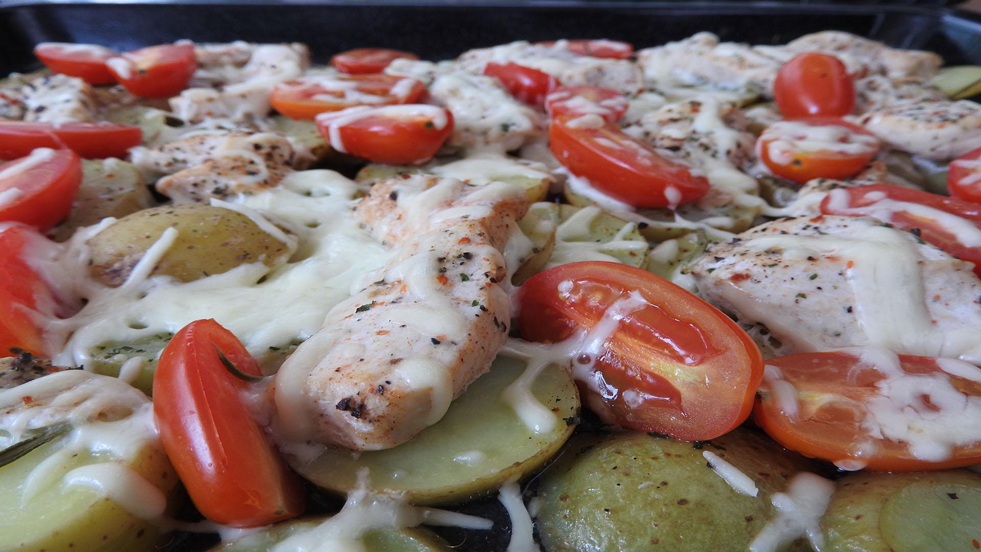 Backkartoffeln mit Pute und Käse