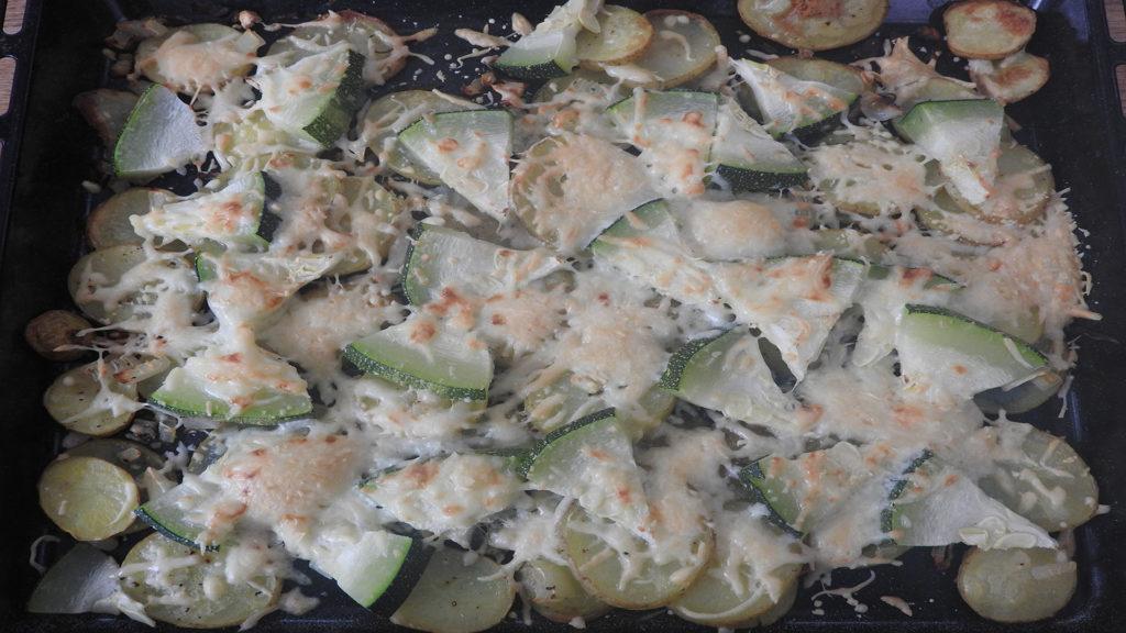 Backkartoffeln mit Zucchini und Käse auf Kochen-verstehen.de