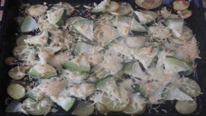 Backkartoffeln mit Zucchini und Käse