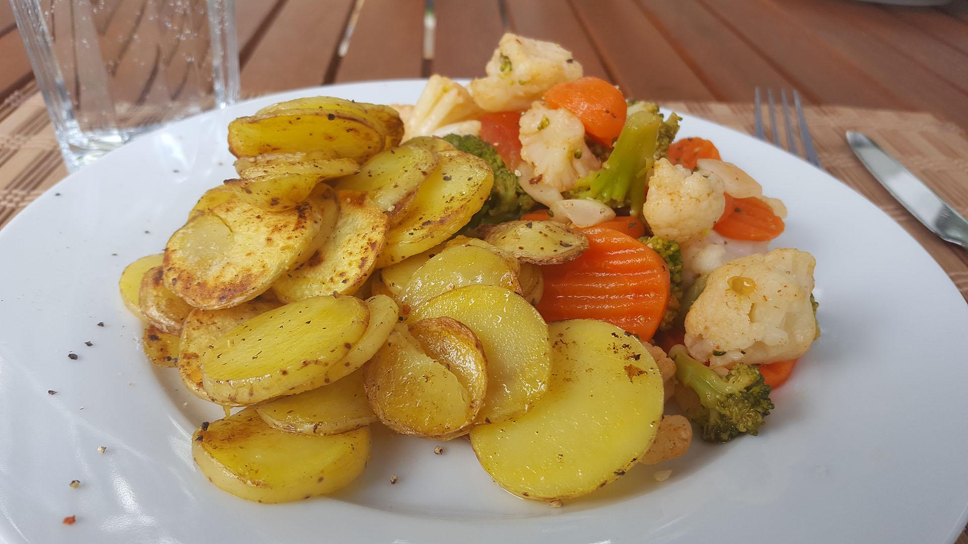 Bratkartoffeln mit Kaisergemüse auf Kochen-verstehen.de