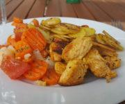 Bratkartoffeln mit Pute und Kaisergemüse