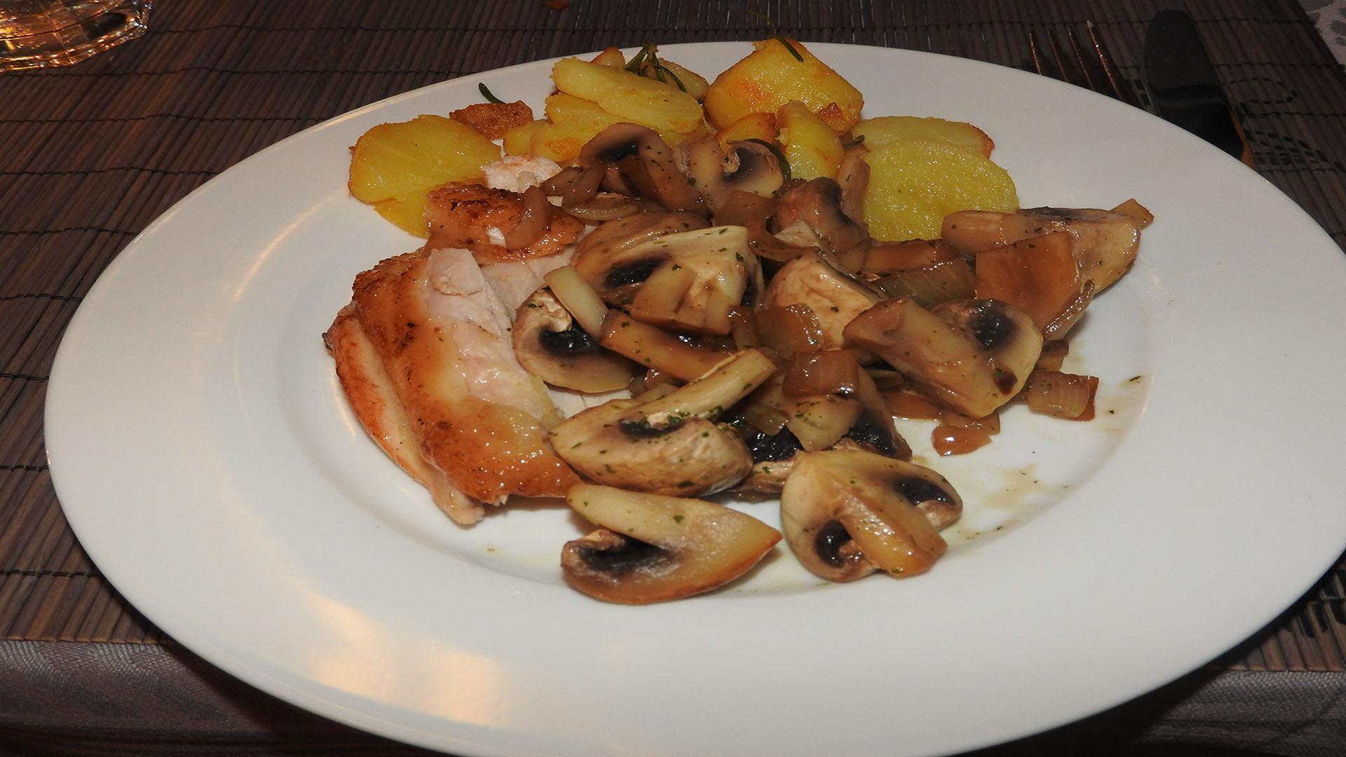 Bressehuhn mit Bratkartoffeln auf Kochen-verstehen.de