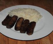 Ćevapčići mit Reis
