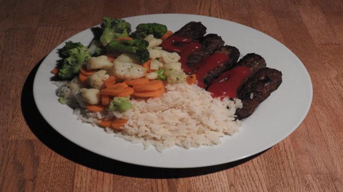 Ćevapčići mit Reis und Kaisergemüse (Rezept mit Bild) auf Kochen-verstehen.de