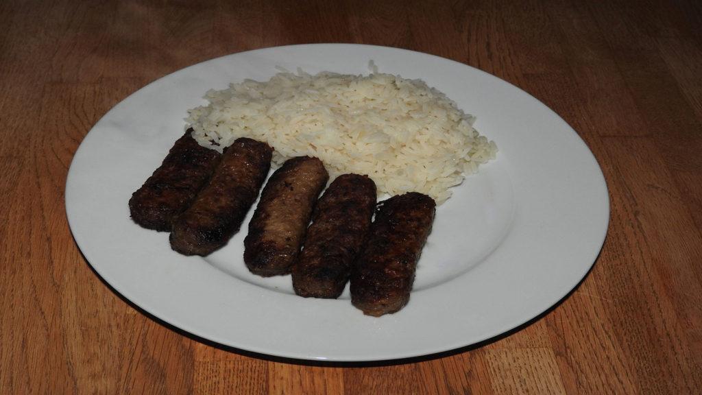 Ćevapčići mit Reis (Rezept mit Bild) auf Kochen-verstehen.de