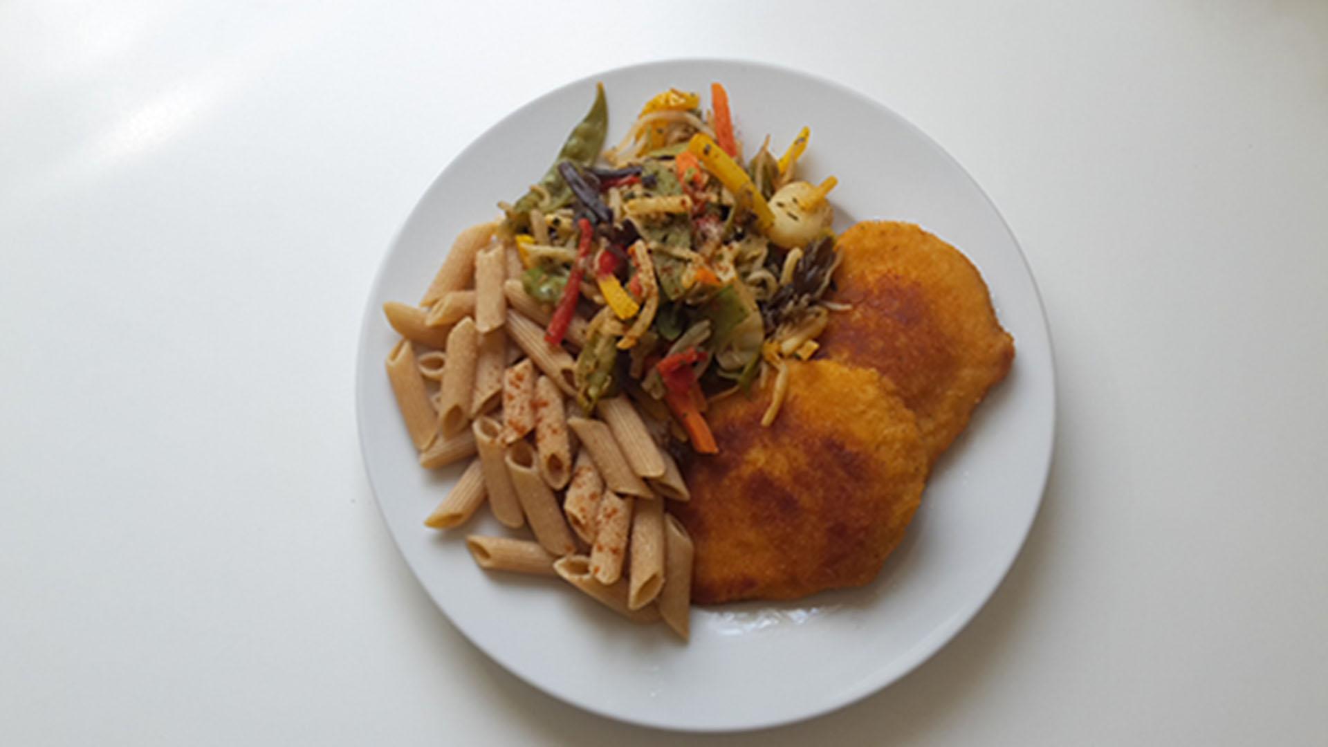 Cordon Bleu mit Vollkornnudeln und Gemüse