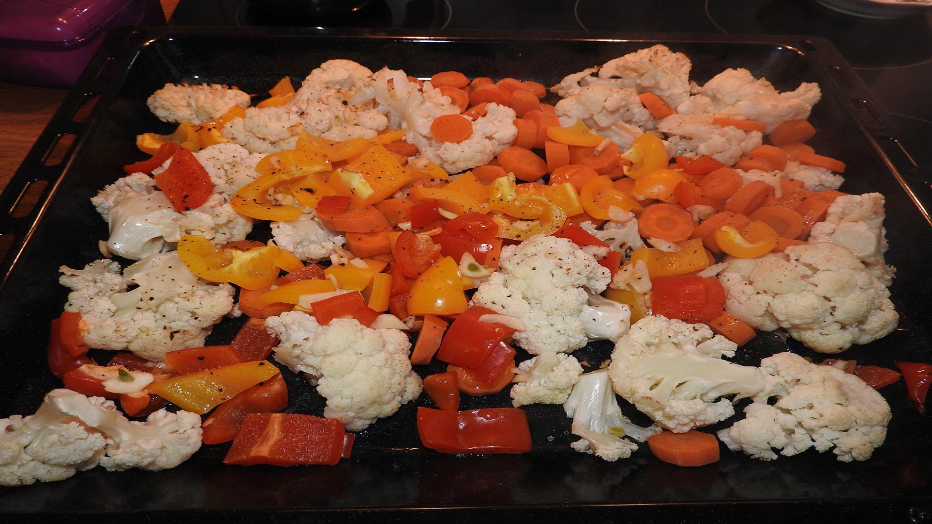 gebackener blumenkohl mit paprika und m hren rezept mit bild kochen. Black Bedroom Furniture Sets. Home Design Ideas
