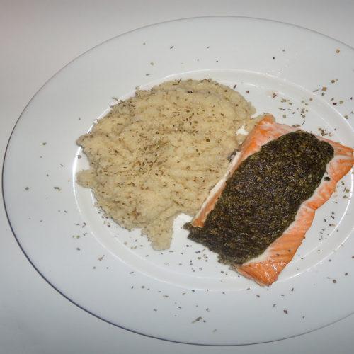 Gebackener Lachs mit Risotto und Pesto auf Kochen-verstehen.de