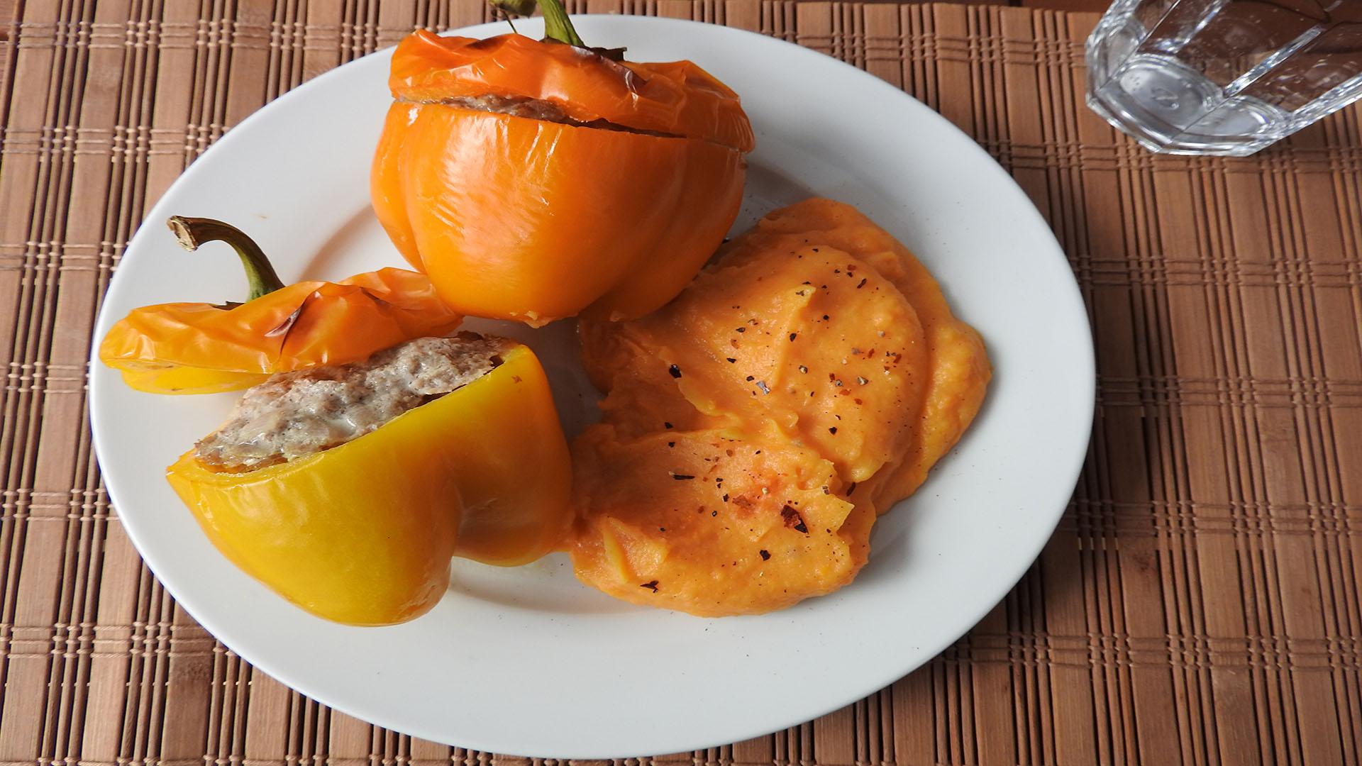 Gefüllte Paprika mit Süßkartoffelbrei