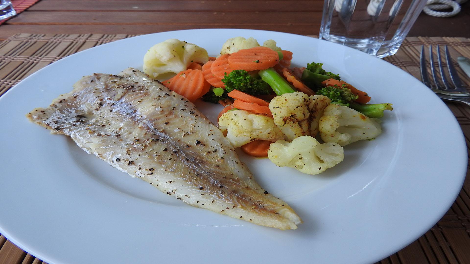 Gegrillter Seelachs mit Kaisergemüse auf Kochen-verstehen.de