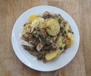 Hähnchen mit Kartoffeln und Pilzen