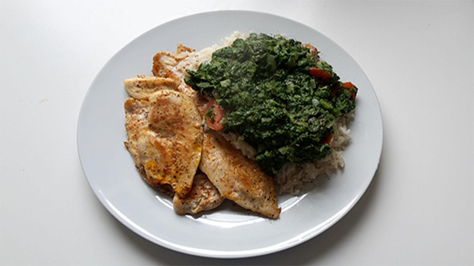 Hähnchen mit Reis und Spinat