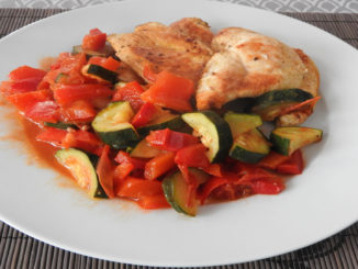 Hähnchen mit Zucchini und Paprika auf Kochen-verstehen.de
