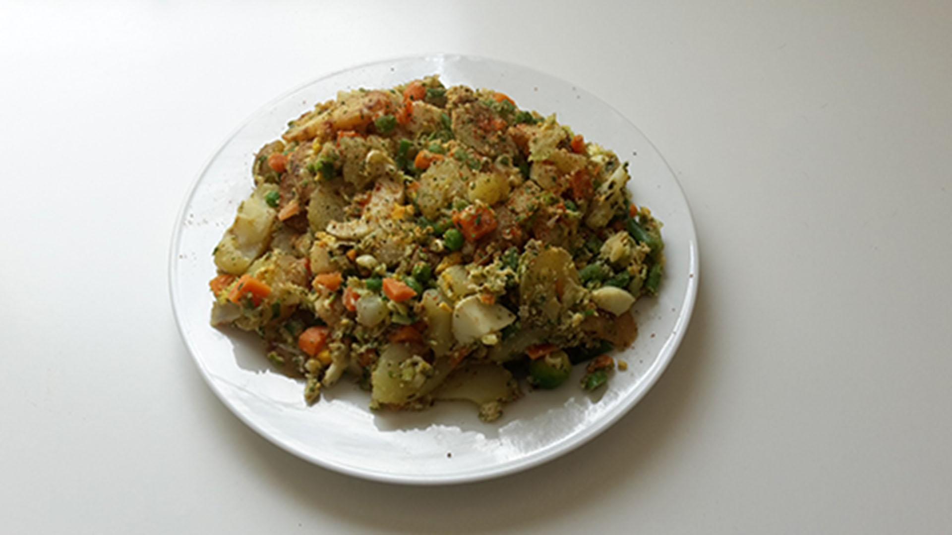 Kartoffel-Rührei mit italienischem Gemüse
