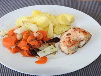 Kartoffeln mit Gemüse und Pute