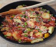 Kartoffelpfanne mit Bohnen und Erbsen