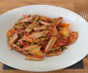 Kartoffelpfanne mit Fleischersatz und Gemüse
