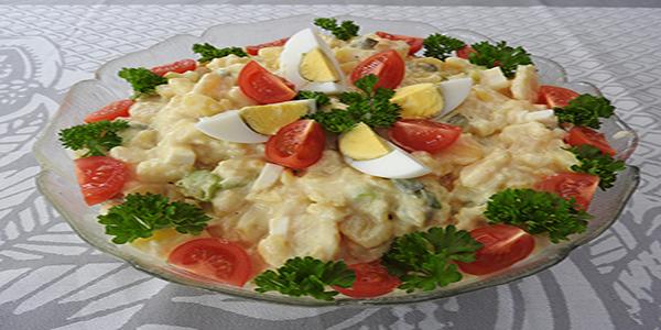 Eiersalat mit Kartoffeln