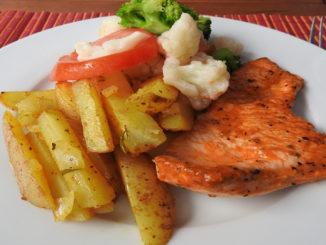 Kartoffelspalten mit Hähnchenfilet und Kaisergemüse auf Kochen-verstehen.de