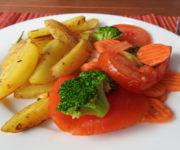 Kartoffelspalten mit Kaisergemüse
