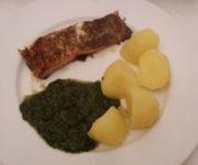 Lachs Toskana mit Spinat und Kartoffeln