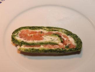 Lachsrolle mit Spinat und Frischkäse auf Kochen-verstehen.de