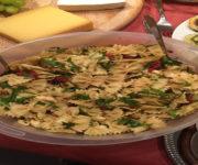 Nudelsalat mit Rucola und Tomaten
