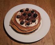 Protein-Pancakes mit Karamellcreme