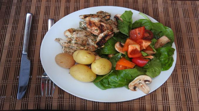 Putenfilet mit Spinatsalat auf Kochen-verstehen.de