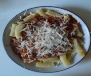 Rigatoni mit Bolognese-Sauce