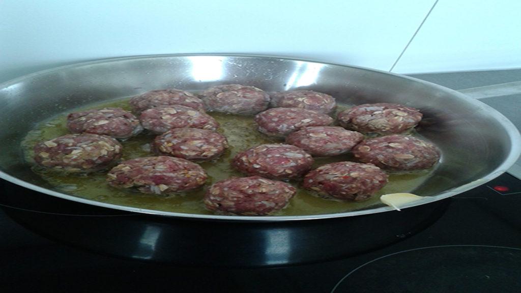 Frikadellen nach Hausfrauenart auf Kochen-verstehen.de