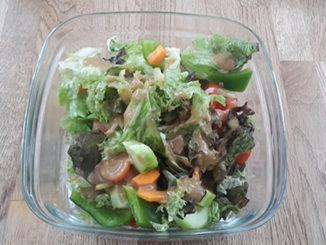Salat mit Honig-Senf-Dressing (Rezept mit Bild) auf Kochen-verstehen.de