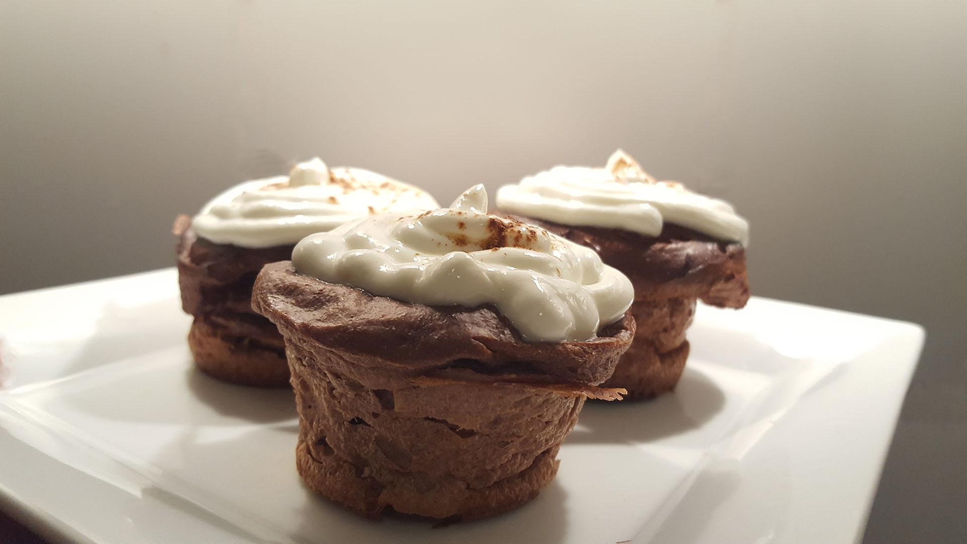 Schoko-Muffins mit Magerquarktopping auf Kochen-verstehen.de