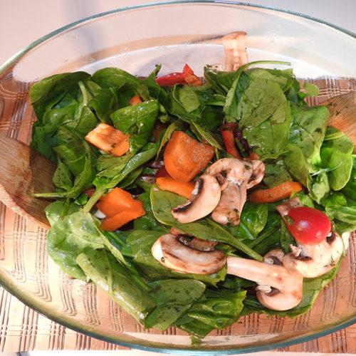 Spinatsalat auf Kochen-verstehen.de