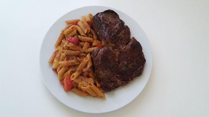 Steak mit Tomaten und Vollkornnudeln (Rezept mit Bild) auf Kochen-verstehen.de
