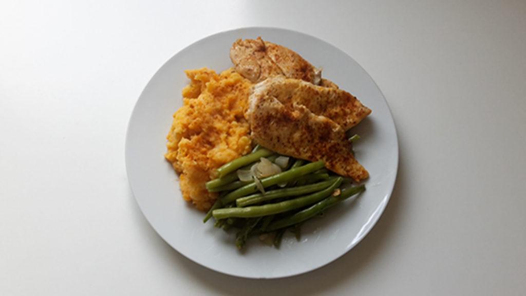 Süßkartoffelpüree mit Hähnchen und Bohnen (Rezept mit Bild) auf Kochen-verstehen.de