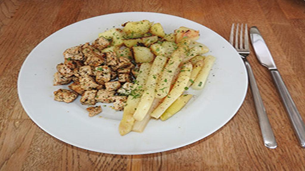 Tofu mit Spargel und Bratkartoffeln auf Kochen-verstehen.de