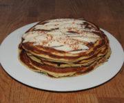 Vanille-Pancakes mit Karamellcreme