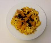 Vanille-Rührei mit Mandarinen und Heidelbeeren