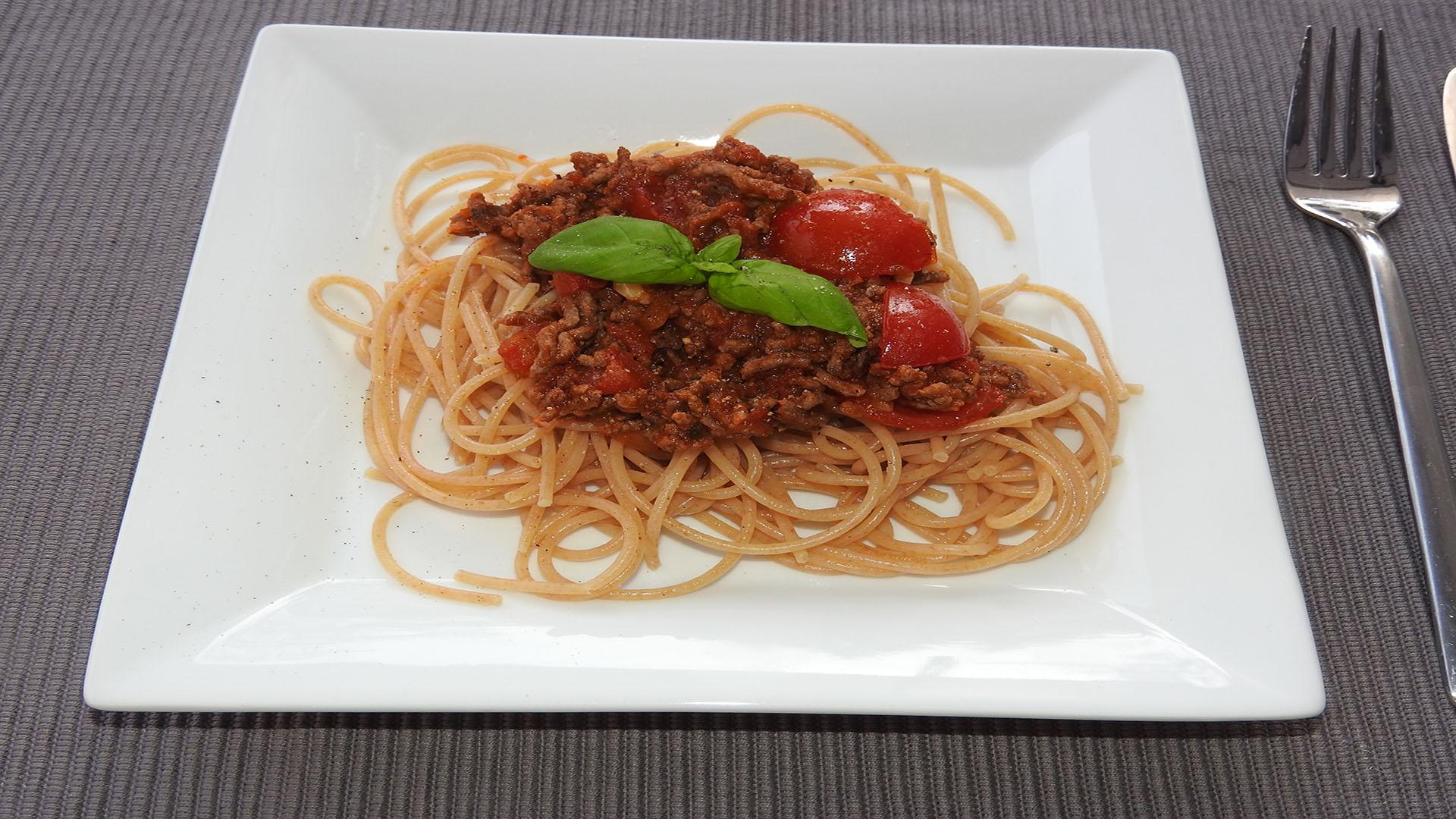 Vollkornspaghetti mit Hackfleischsauce auf Kochen-verstehen.de