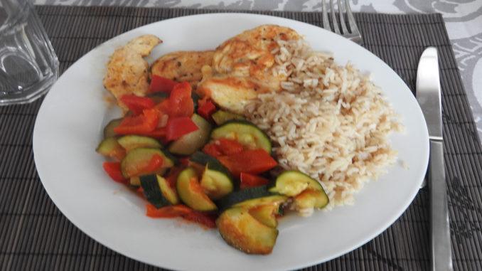 Zucchini mit Reis und Hähnchen auf Kochen-verstehen.de